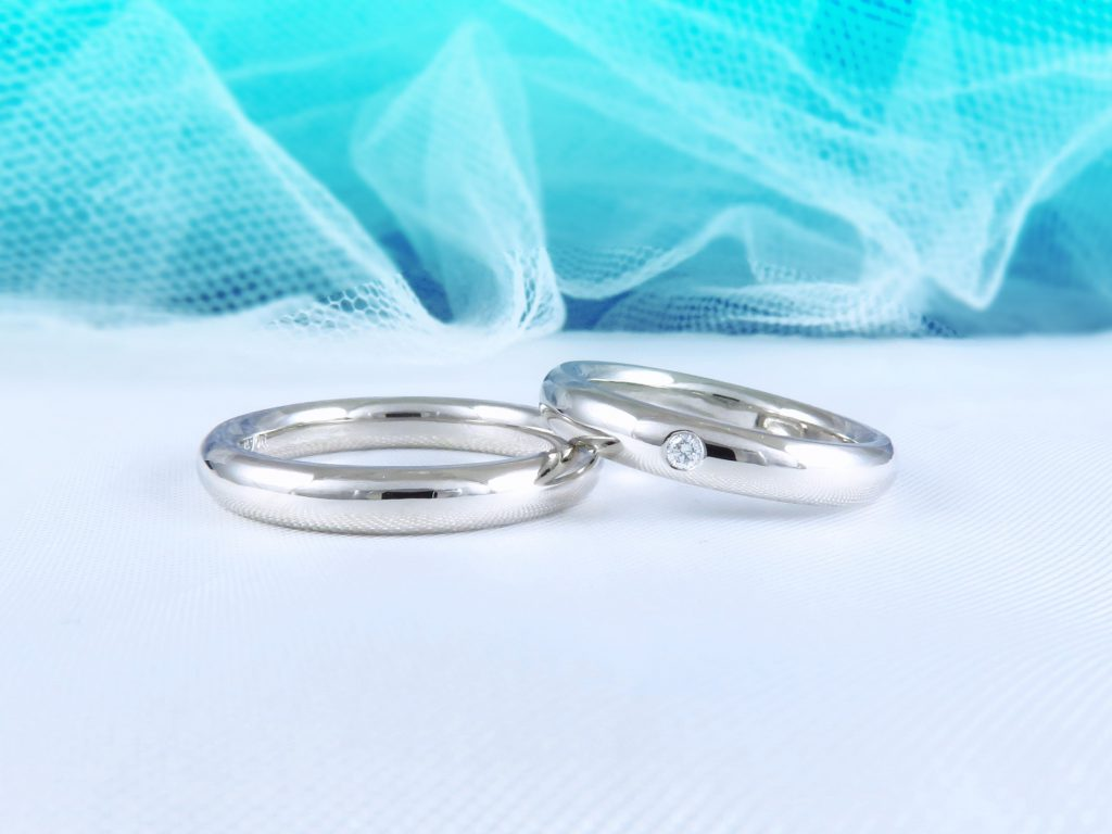 色々と説明していただき、とても素敵な結婚指輪が出来ました。
