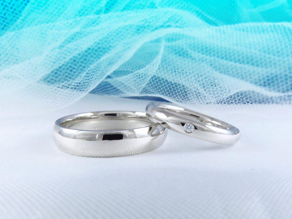 要望通りの仕上がりで、素敵な結婚指輪です。